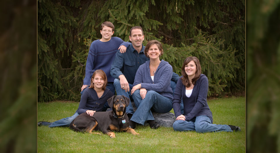 Grandville Family Photography - Portrait of a family in an outdoor nature setting